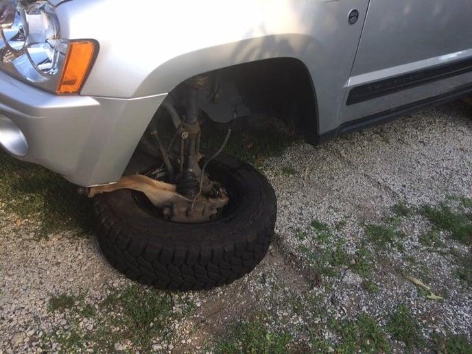 Chrysler upper a-arm broken ball joint 5 Jeep wk-xk